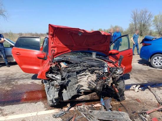 В лобовом ДТП в Черноярском районе погибла астраханка