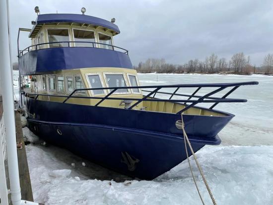 Владелец маломерного судна оштрафован за утечку нефтепродуктов в Волгу