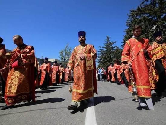 Крестный ход в Пятигорске завершился у озера Провал