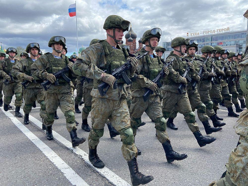 На площадь Ленина в Туле выехали танки