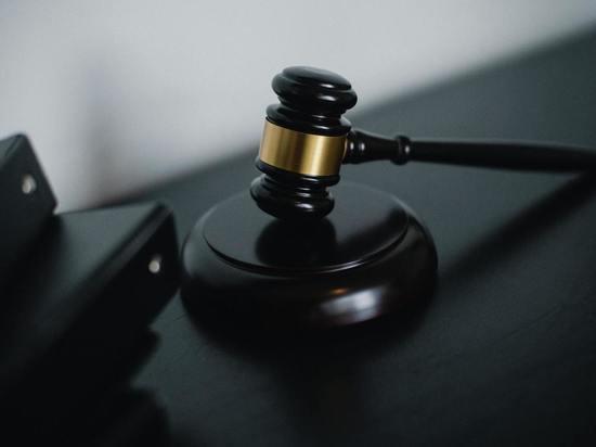 Стружанин, отобравший у мужчины телефон и вино, получил срок
