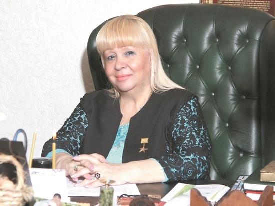 В год 80-летия женского движения в стране жительница Невинномысска Галина Дёмкина  посвятила свое стихотворение Татьяне Арсентьевне Чумаковой.