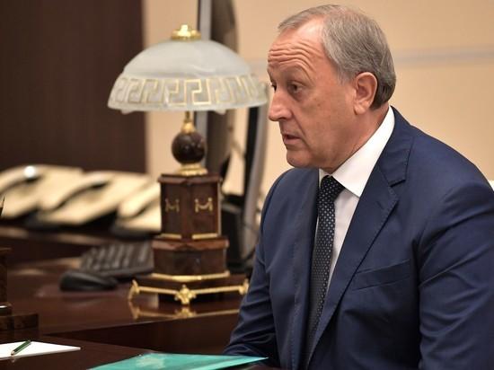 В Саратовской области опровергли новость об обмороке пенсионерки рядом с губернатором
