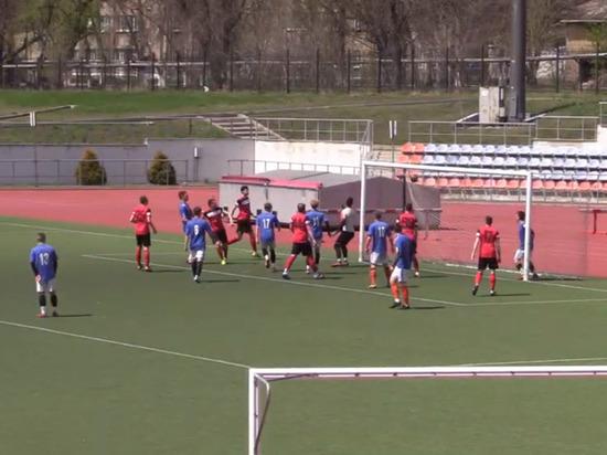 В Донецке прошла игра первого тура футбольной Премьер-Лиги