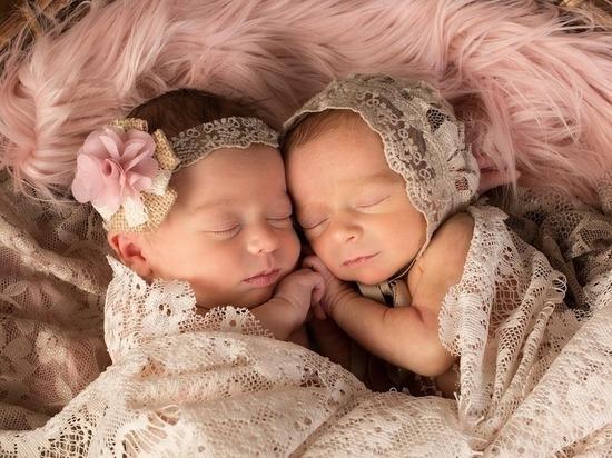 В прошлом году во Владимирской области на свет появились 10072 младенца