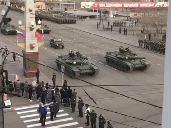 Военная техника прошла по центру Читы, репетируя Парад Победы