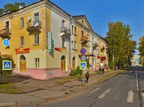 В Гатчине участник дорожного конфликта стрелял и резал обидчиков