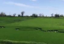 Жители станицы Тенгинской сняли на видео загадочное явление – круги на полях