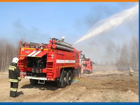 В Рязанской области опрокинулась пожарная машина, погиб спасатель