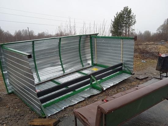 Форменное издевательство: в поселке Карелии упал автопавильон