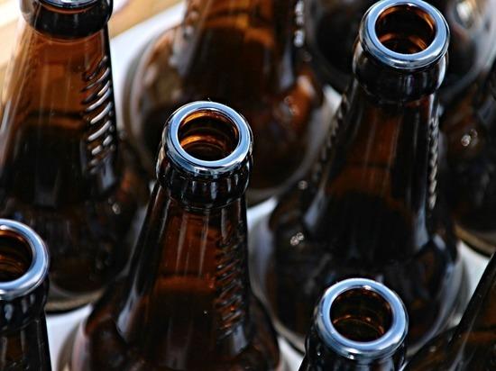 Трое молодых людей ограбили бар в Чите, они вынесли 10 бутылок пива
