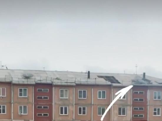 В Бурятии многоэтажка опять потеряла крышу из-за сильного ветра