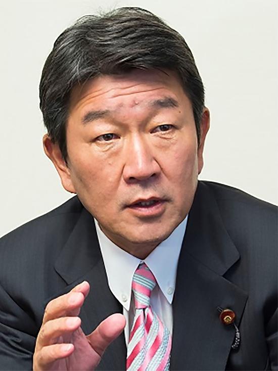Глава МИД Японии предложил G7 сформировать совместный подход к России