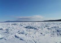 На Байкале в Бурятии перевернулась аэролодка, столкнувшись с торосом: один человек погиб