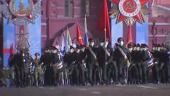 На Красной площади провели ночную репетицию к Дню Победы: видео