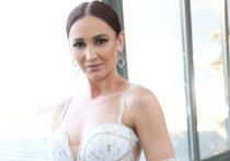 Телеведущая и звезда «Дома-2» Ольга Бузова попала в больницу и перенесла операцию