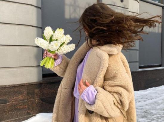 В лесу под Екатеринбургом найдено тело пропавшей девушки-блогера Екатерины Журавлевой, сообщает портал E1 со ссылкой на источник в СК