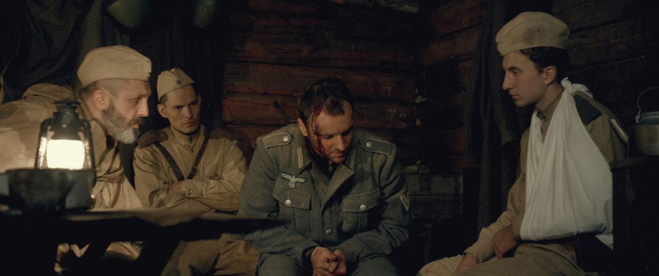 Якутские кинематографисты проявили смекалку: военное кино из восьми шинелей