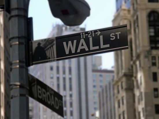 Индекс Dow Jones показал рекордный рост на фондовых торгах в США