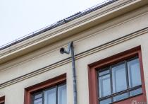В Кузбассе из окна квартиры выпал полуторогодовалый малыш