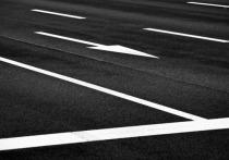 Более пяти тысяч километров кузбасских дорог оснастят разметкой