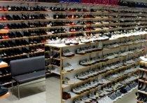 Таможенники изъяли в Иркутске 40 тысяч пар немаркированной обуви на 35 млн