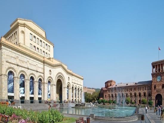 В Ереване начались переговоры глав МИД России и Армении