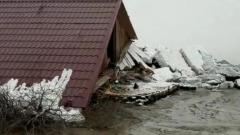 В Хабаровском крае ледоход на Амуре раздавил магазин
