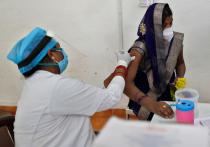 Названы причины, из-за которых Индия погрузилась в коронавирусный хаос