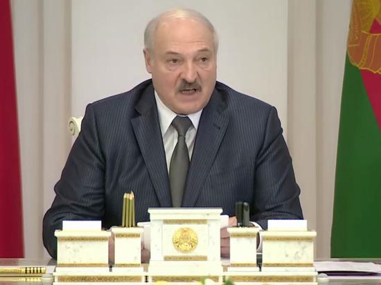 Лукашенко негативно отозвался о советской эпохе, говоря о зарплатах