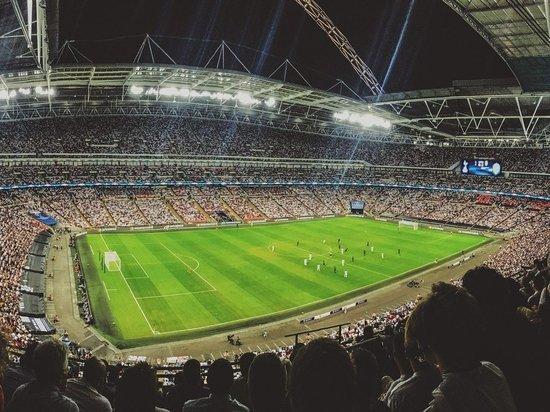 Финал Лиги чемпионов между двумя британскими командами предложили перенести в Англию