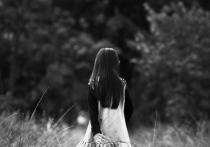 Дикое преступление на сексуальной почве, по сути, еще совсем детей в отношении маленькой девочки произошло в поселке под Краснотурьинском в Свердловской области