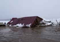 Магазин снесло льдом в селе Богородском Хабаровского края