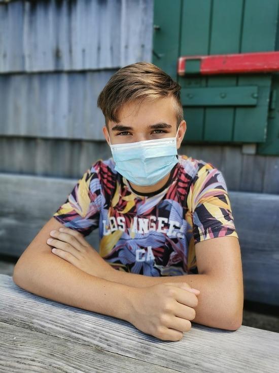 Германия: Детей с 12 лет привьют до конца летних каникул