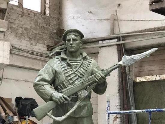 Более 12 тысяч краснофлотцев участвовали в обороне города-героя
