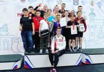 Юные калужские гиревики вернулись из Санкт-Петербурга с медалями