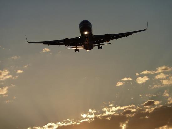 Пассажирский самолет Boeing-738, вылетавший из Оренбурга в Москву, совершил вынужденную посадку в аэропорту Оренбурга