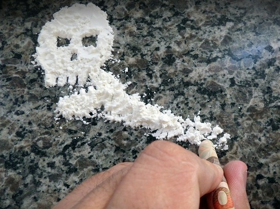 Двоих мужчин с признаками наркотического опьянения задержали в Пскове