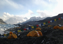 Когда Непал решил в этом году вновь открыть для восхождений свою сторону Эвереста, альпинисты со всего мира обрадовались открывшимся возможностям