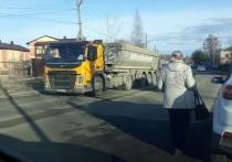 Жителям окраины Петрозаводска угрожают большегрузы