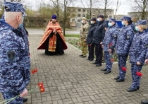 Псковские росгвардейцы почтили память погибших в Великой Отечественной войне