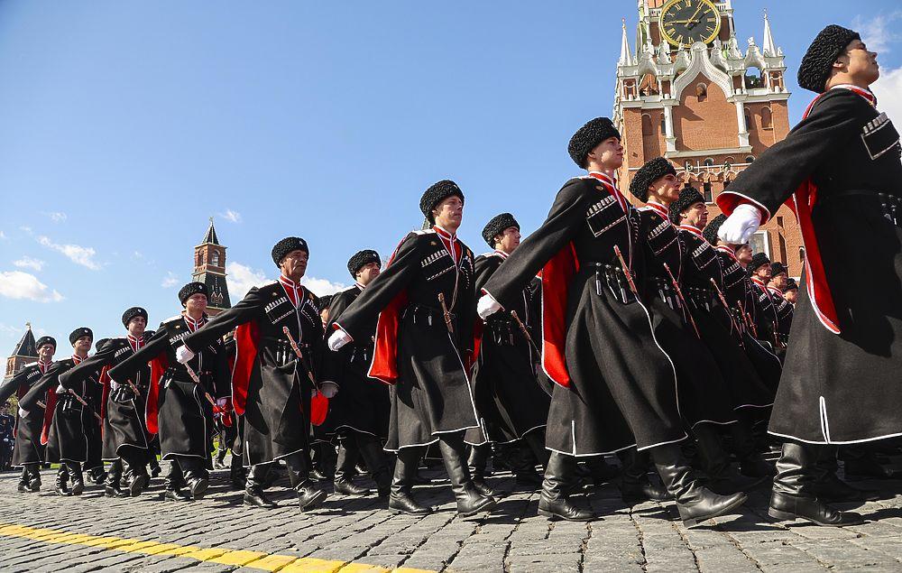 Генеральная репетиция парада Победы: гул истребителей напугал животных москвичей