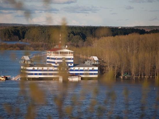 В Кировской области снижается уровень воды в реках