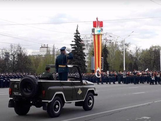 Танк Т-26 загорелся во время репетиции парада в Уфе