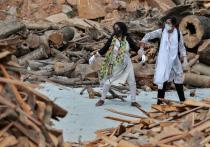 Индийские врачи, как и образованная часть населения, в шоке от вспышки суеверий, которая сопровождает охвативший страну «коронавирусный шторм»