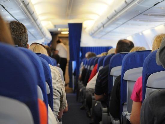 Самолет из Симферополя экстренно сел в Москве из-за неисправности