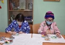 Инвалидное кресло, краски, сладости: следователи поздравили ивановских ветеранов