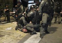 Столкновения палестинских верующих с израильской полицией  произошли в пятницу вечером у мечети Аль-Акса в Иерусалиме