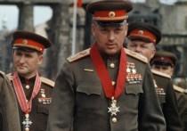 В эти предпраздничные дни настоящий переполох возник вокруг знаменитого героя Великой Отечественной – Маршала Константина Рокоссовского