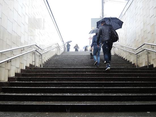 Москвичей предупредили о затяжном дожде до Дня Победы